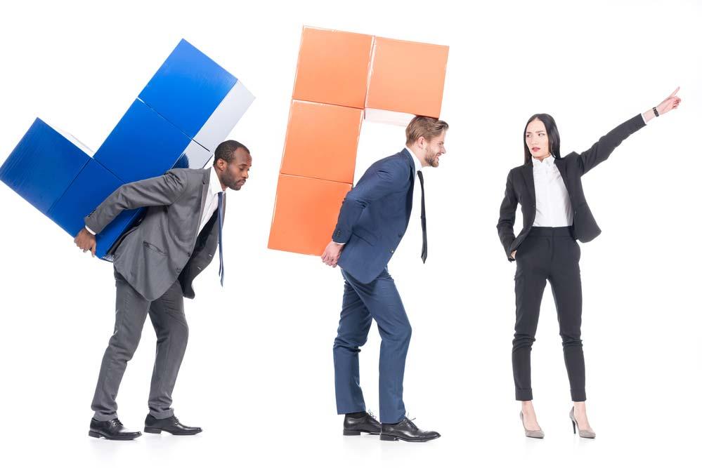Resultado de imagem para liderança agressiva