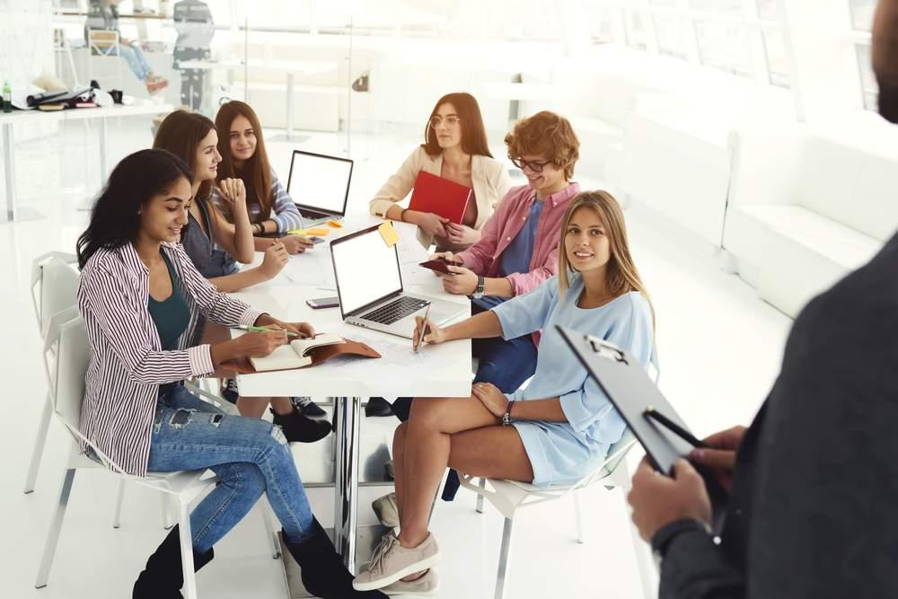 estudantes do curso de jornalismo