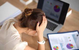 funcionária estressada