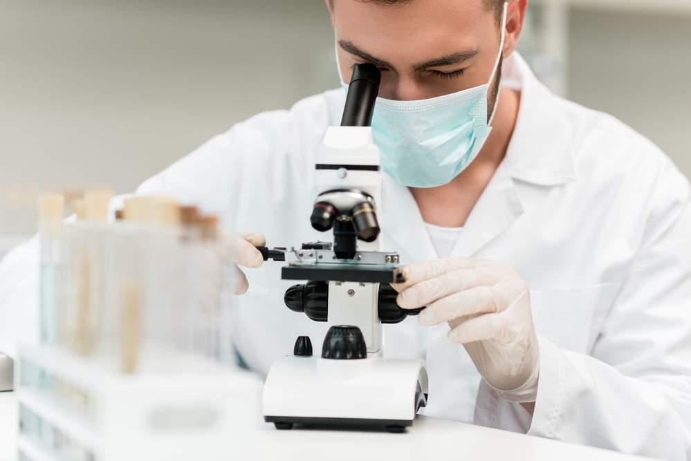 biomédico no trabalho