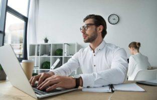 Colega de trabalho que se acha chefe: como lidar?